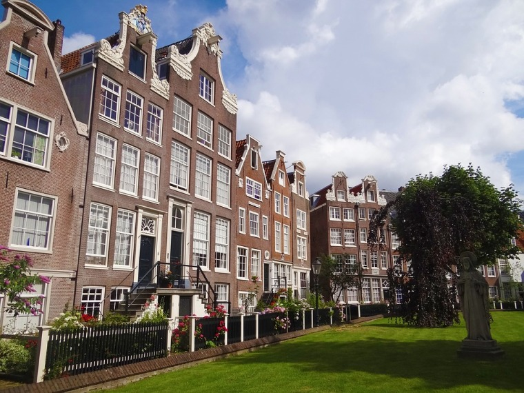 amsterdam-2674690_960_720