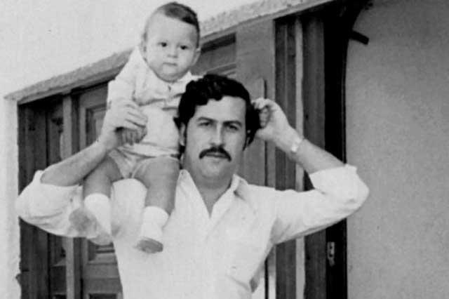 Juan_Pablo_Escobar_y_su_padre_en_el_año_1977
