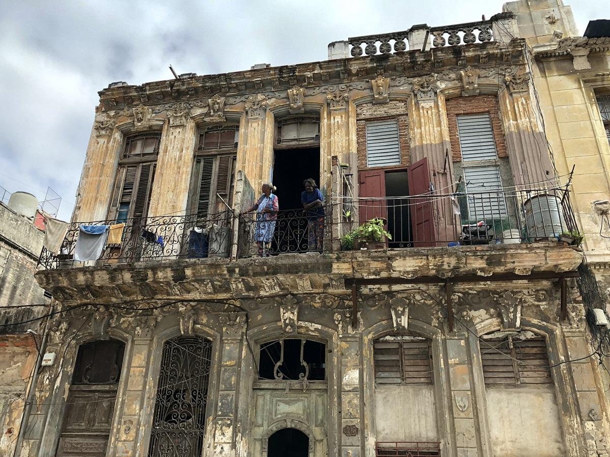 Raj na Kubie? Zależy dlakogo.