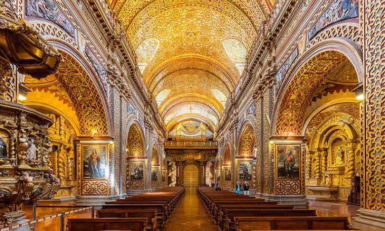 Iglesia_de_La_Compañía,_Quito,_Ecuador,_2015-07-22,_DD_128-130_HDR
